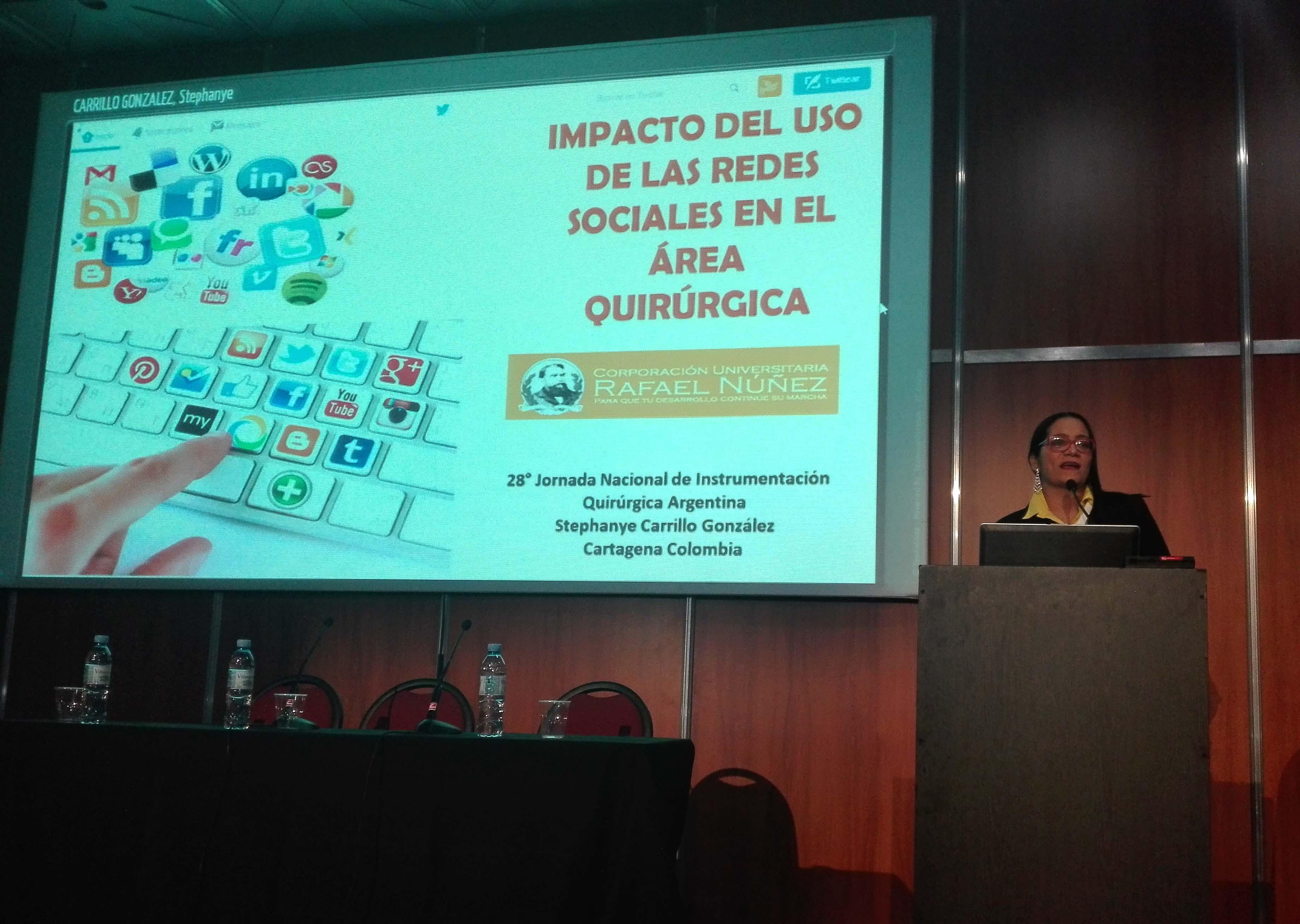 Docente Stephanye González, ponente invitada en universidad argentina