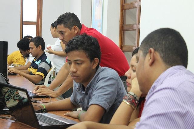 Estudiantes de Ingeniería aceptaron el reto de la III Maratón de Programación FACSIS