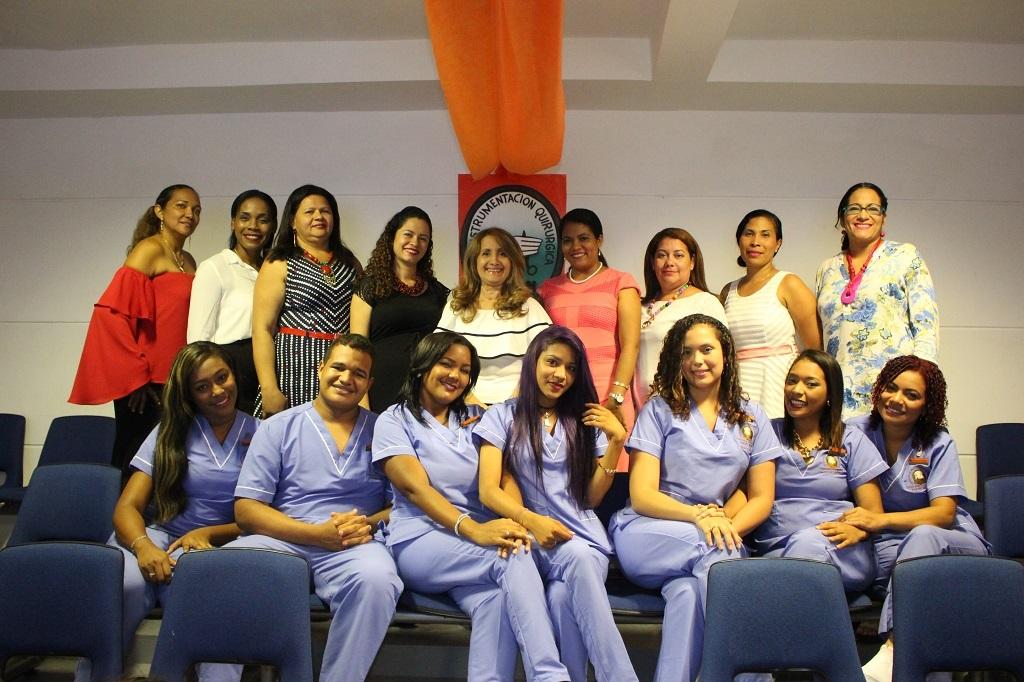 ceremonia_de_imposicion_de_simbolos_a_estudiantes_del_programa_de_instrumentacion_quirurgica
