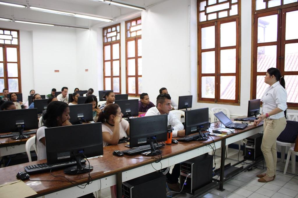 Facultad de Ciencias Contables y Administrativas capacitó a sus estudiantes en habilidades blandas