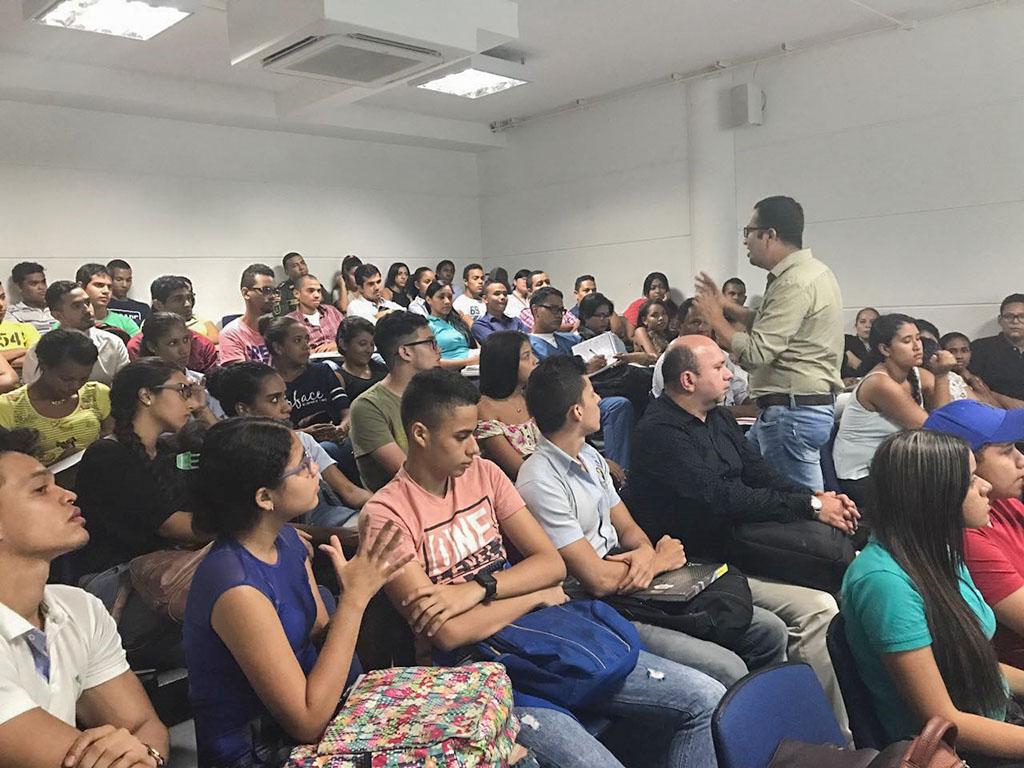 Quinta sesión del Club de Revista del Programa de Derecho sede Cartagena