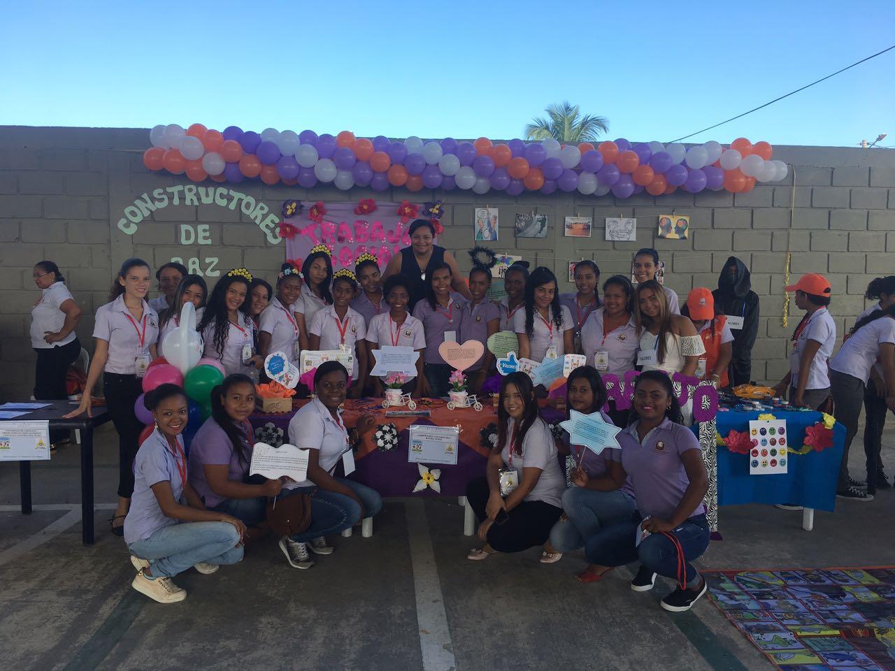 Trabajo Social en la tercera feria de los valores en la institución educativa Seminario Cartagena