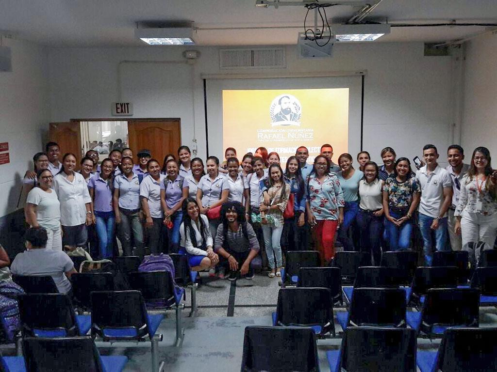 Jornada de formación colectiva a estudiantes en práctica