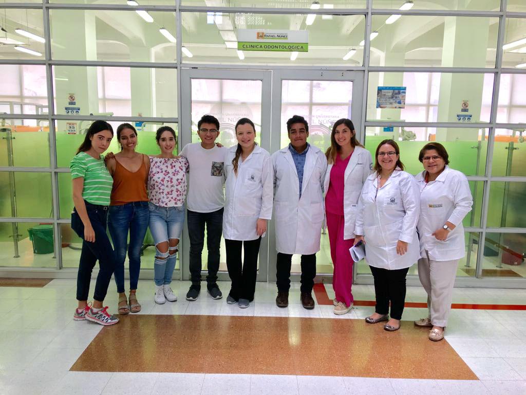 Estudiantes mexicanos finalizan estancia de investigación con el programa de Odontología
