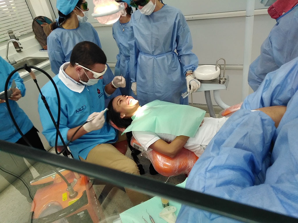 MASTERSHIP LASER EN ODONTOLOGIA.  A la vanguardia en el entrenamiento en láser en odontología.  Aachen Dental Laser Center (AALZ) /Universidad de Aachen -Alemania / Corporación Universitaria Rafael Núñez/ Medical Laser Center