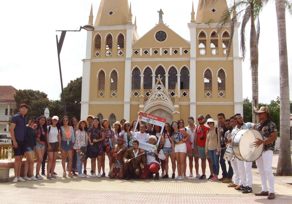 Estudiantes mexicanos del Programa Delfín de visita en Turbaco