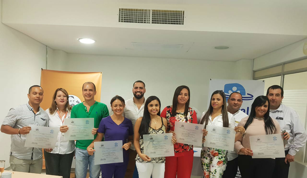 Finaliza Diplomado en Estética y Rehabilitación Oral