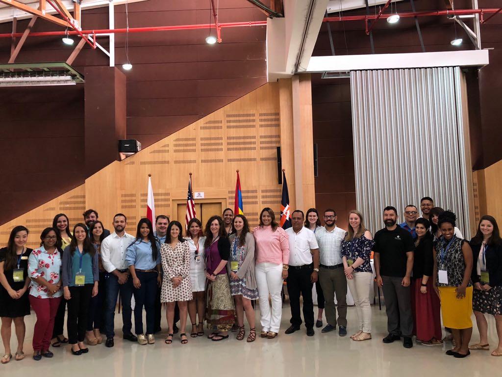 Participación en la feria EducationUSA STEM - Ciencia, ingeniería y tecnología
