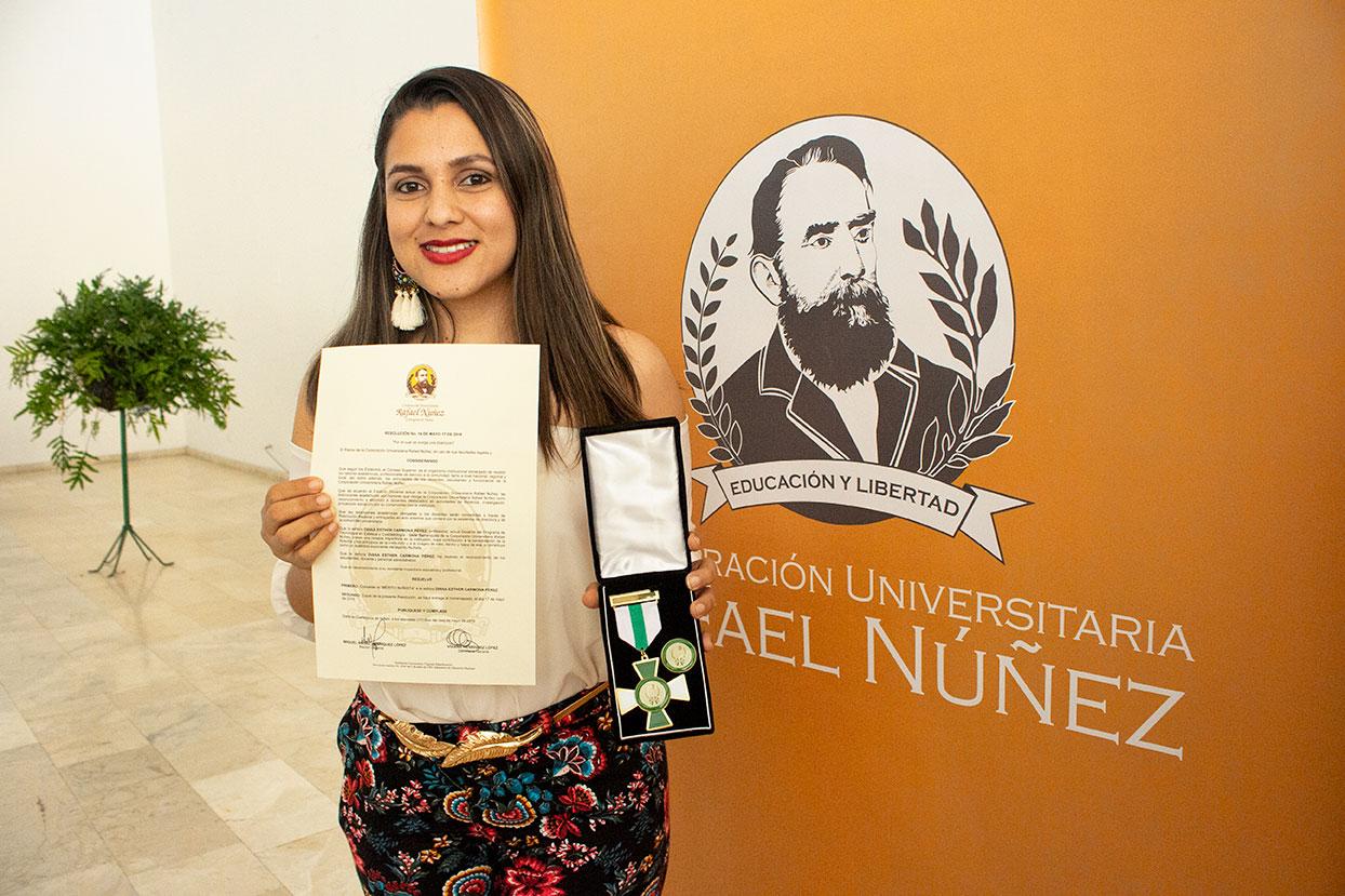 """24 maestros distinguidos en el """"Día del Docente Nuñista"""""""