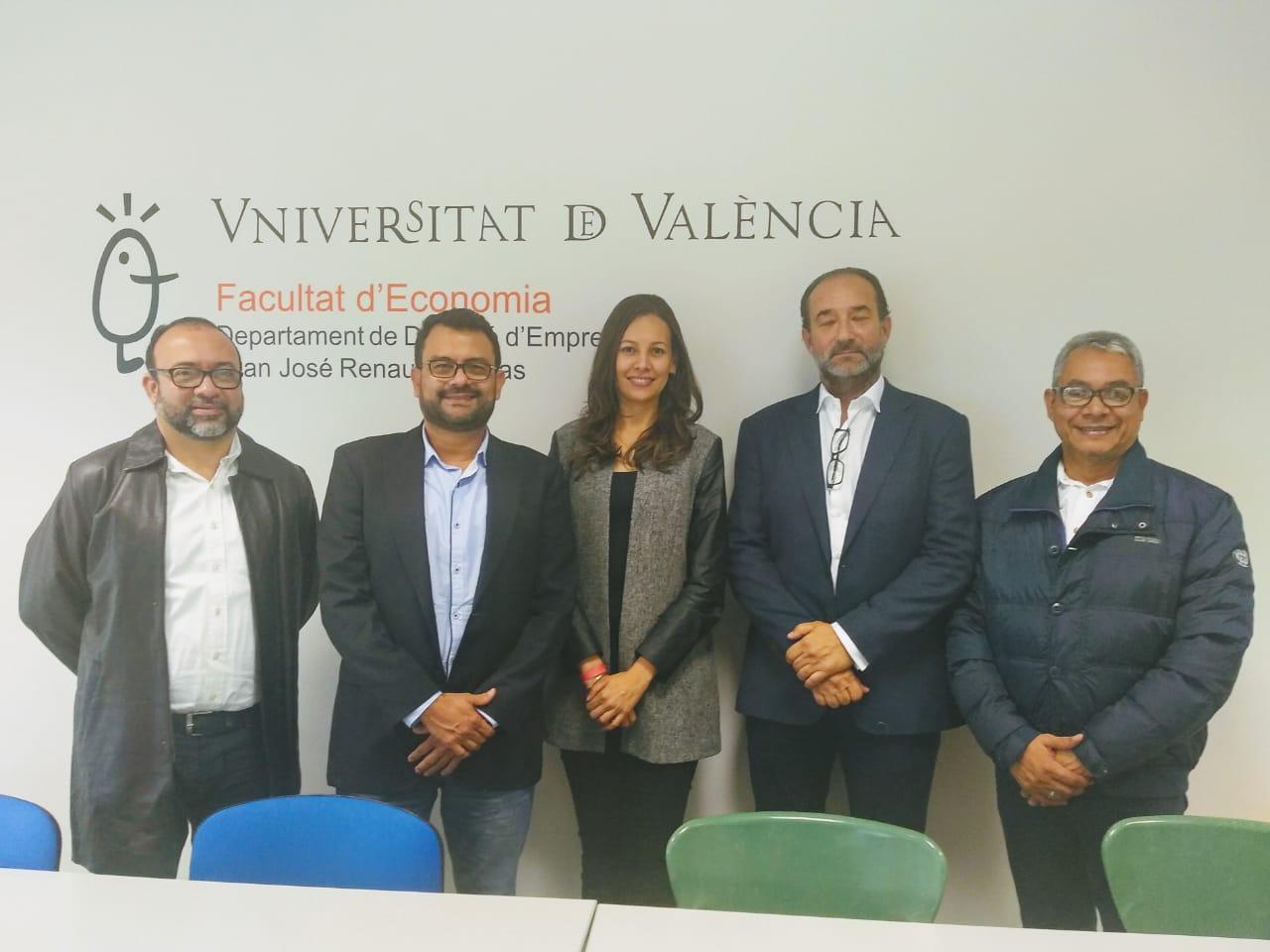 Reunión con docente de la Universidad de Valencia - España