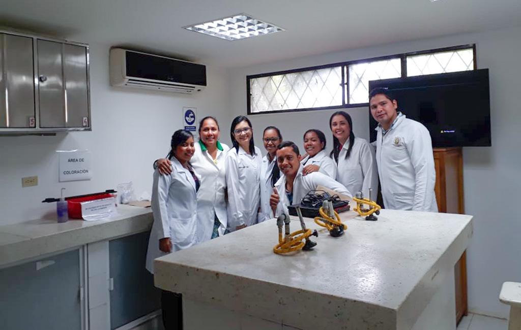 Taller de Reproducción Asistida y Espermograma para estudiantes y docentes de Bacteriología