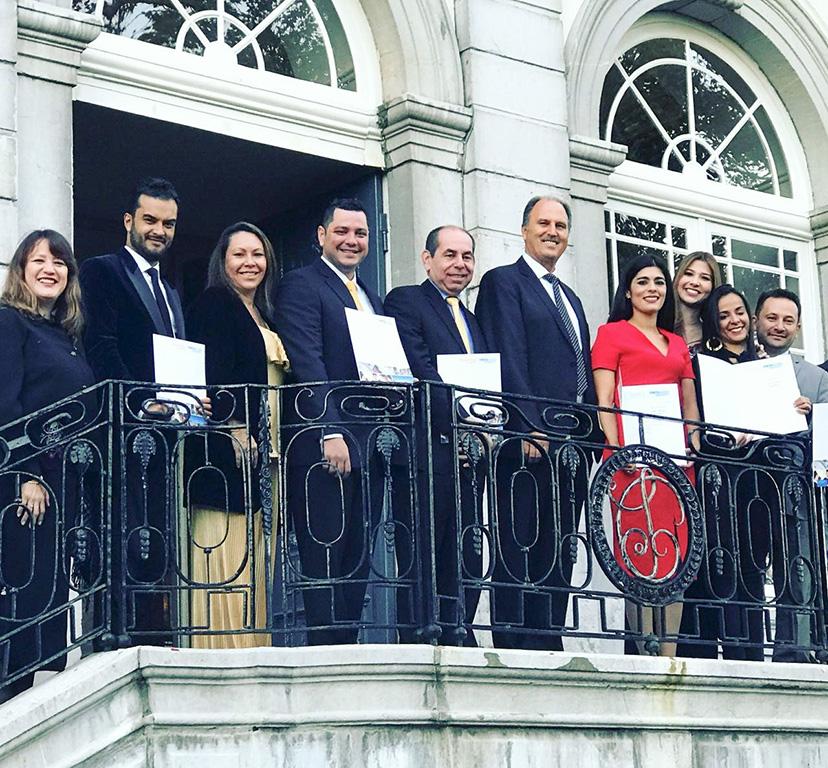 Primer grupo de colombianos graduados por el Aachen Dental Laser Center de Alemania.