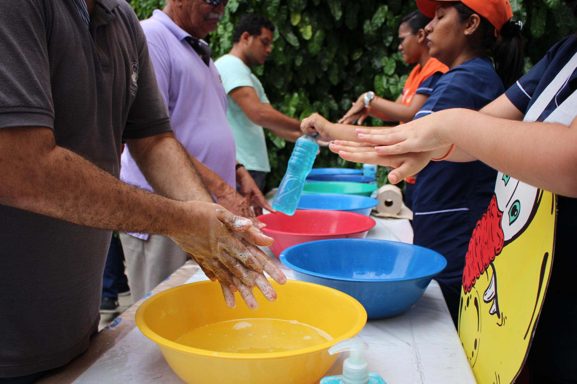 10 años promoviendo manos limpias para una vida saludable