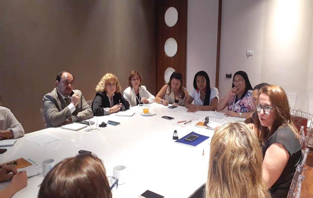 Profesionales latinoamericanos intercambian saberes en Instrumentación Quirúrgica