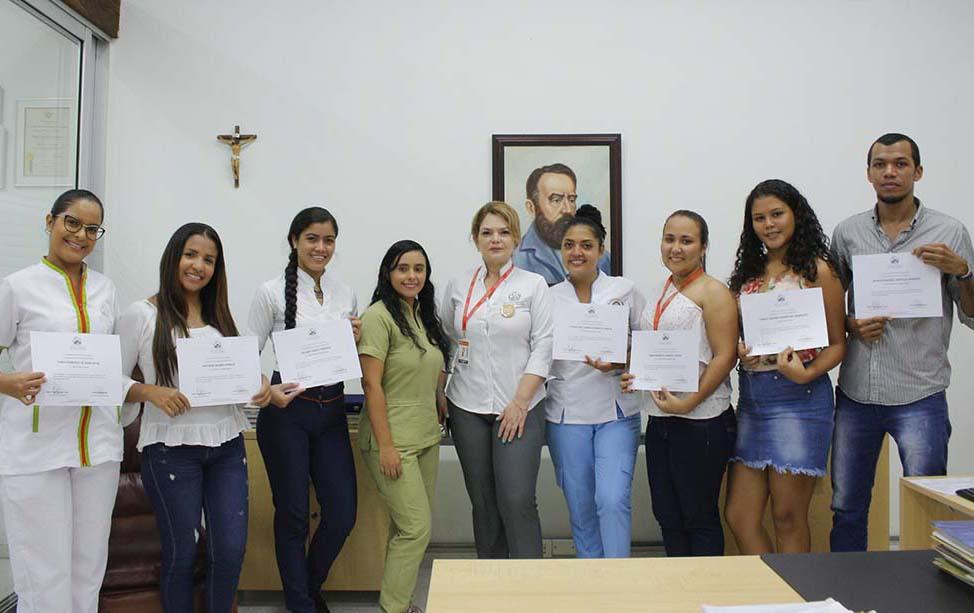 Por obtener segundo mejor promedio 18 estudiantes obtienen diplomados de la CURN