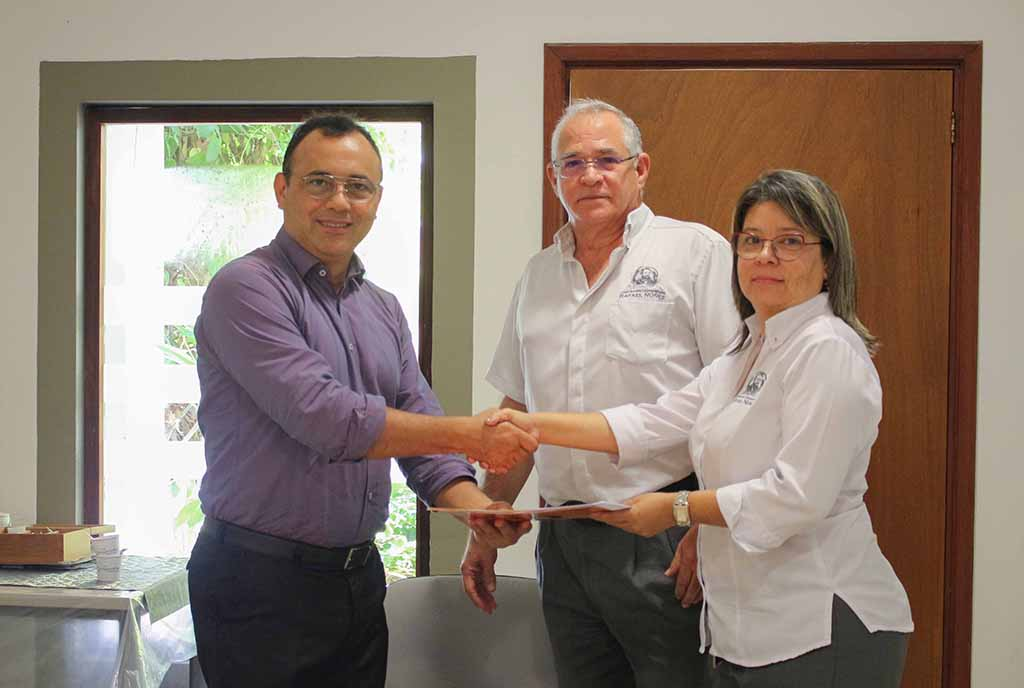 Firmamos convenio de cooperación académica con el Colegio Mayor de Bolívar
