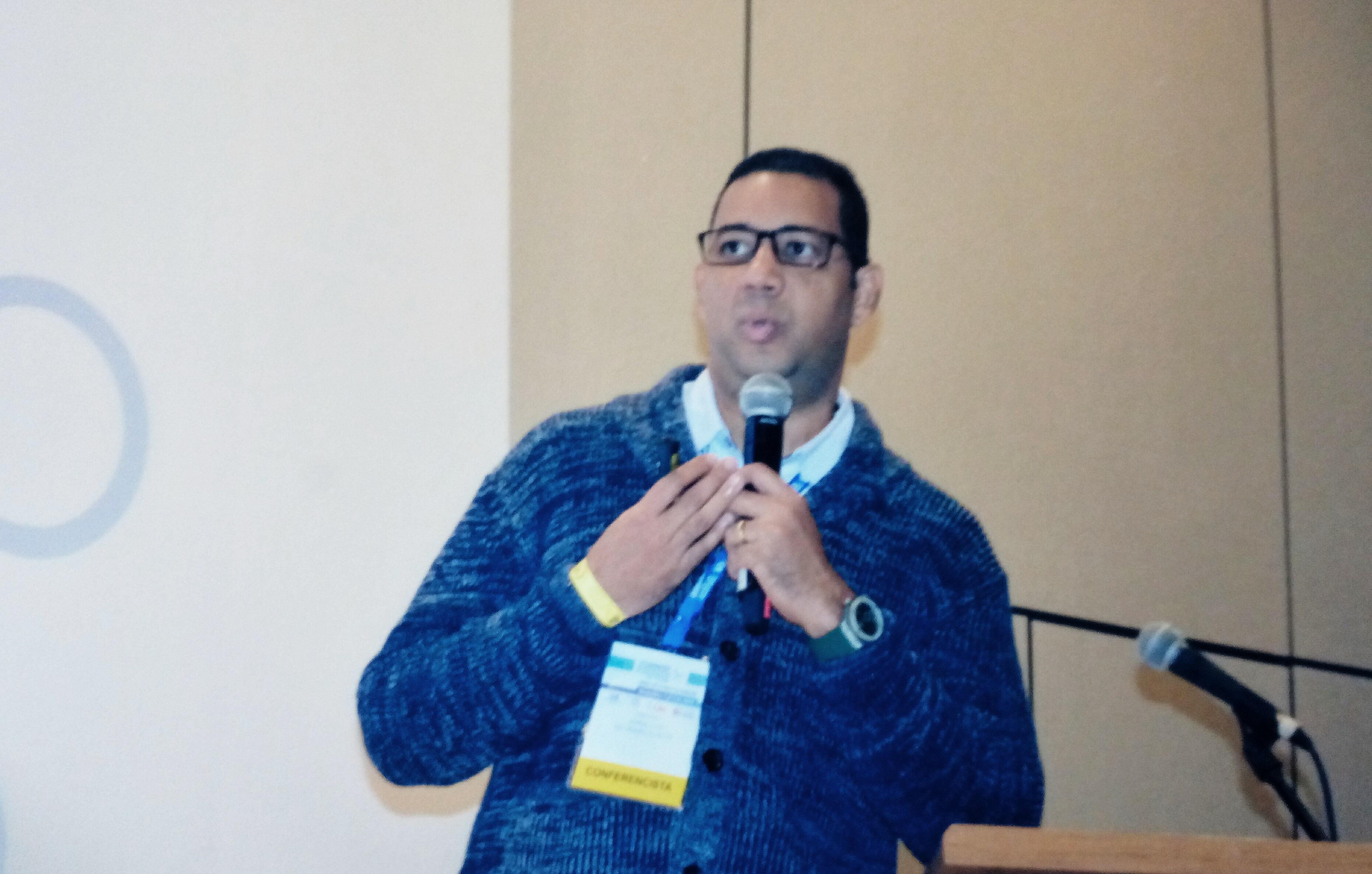 Docente CURN ponente en Congreso internacional de Bacteriología