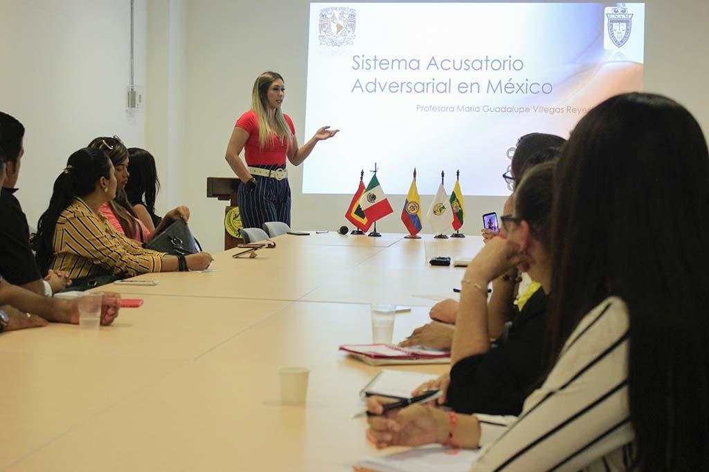 """""""Nuevo Sistema Penal Acusatorio en México"""", conferencia de María Villegas, docente de la UNAM para la comunidad Nuñista."""