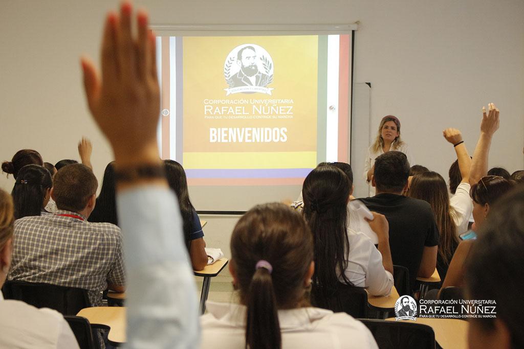 La CURN continúa recibiendo el mayor número de estudiantes Delfín