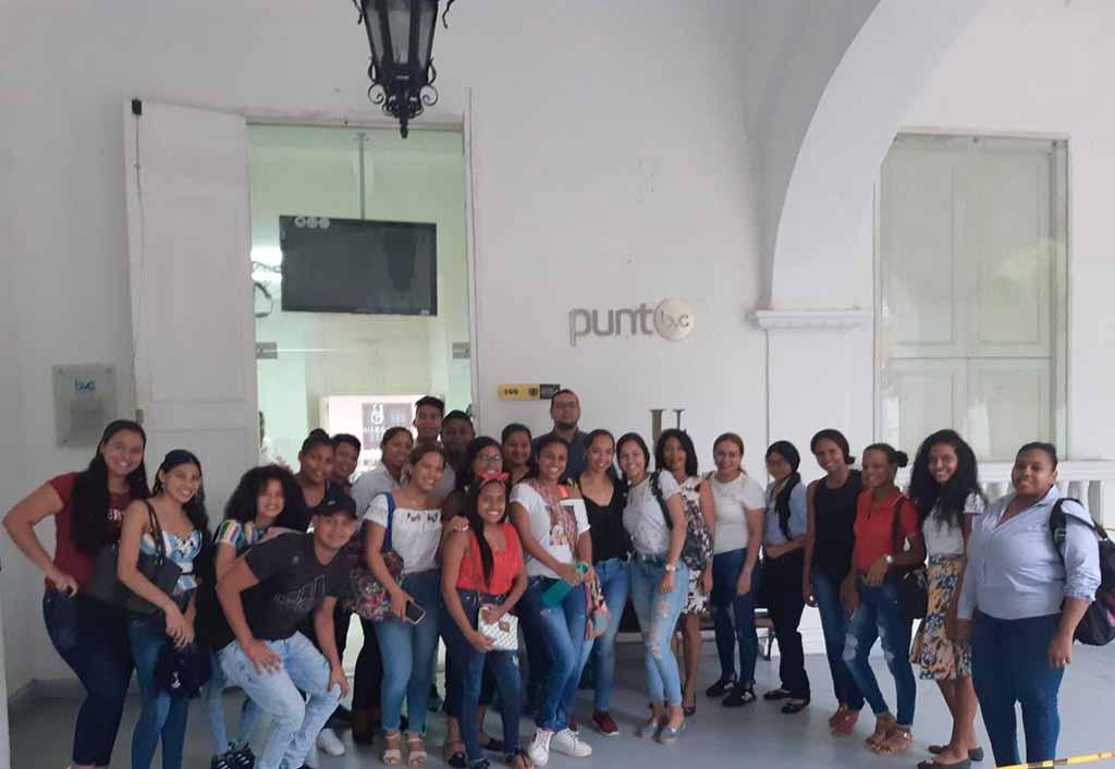 Estudiantes en Contabilidad Sistematizada visitan Punto de Venta de la Bolsa de Valores de Colombia