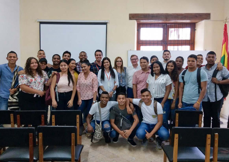 Vicedecano de la Facultad de Derecho de la ULE realiza conferencia para estudiantes Uninúñez