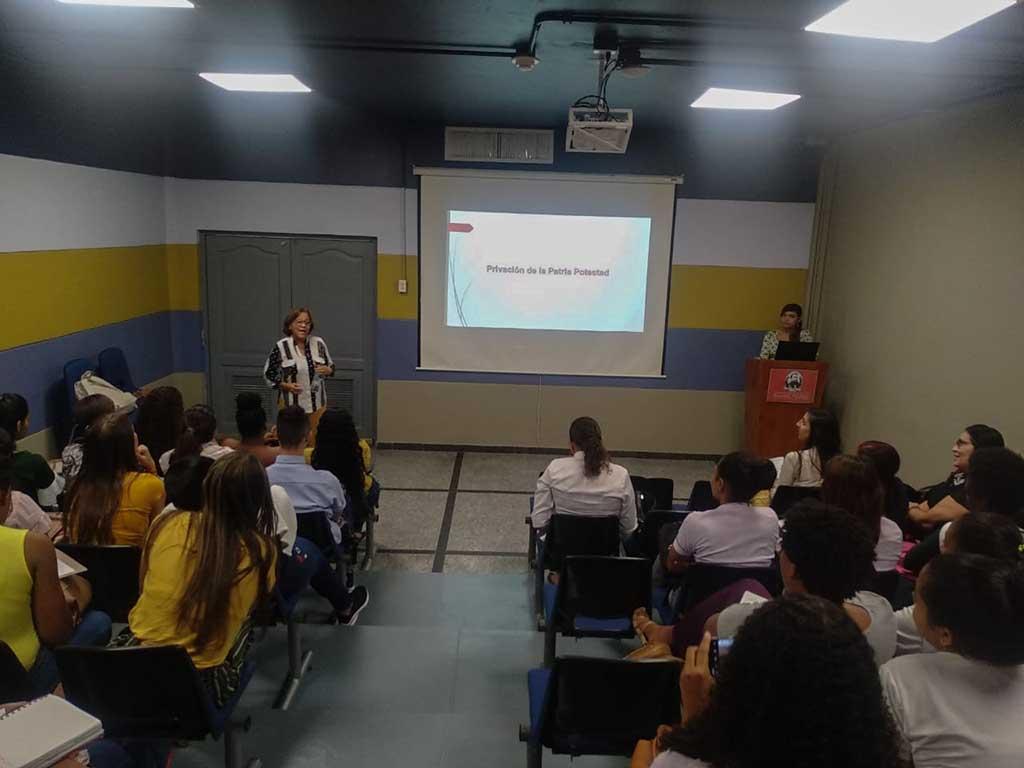 Jornada de Internacionalización de la Investigación en Ciencias Sociales