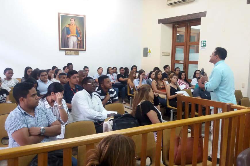 Seminario actualización Egresados Derecho foto 3