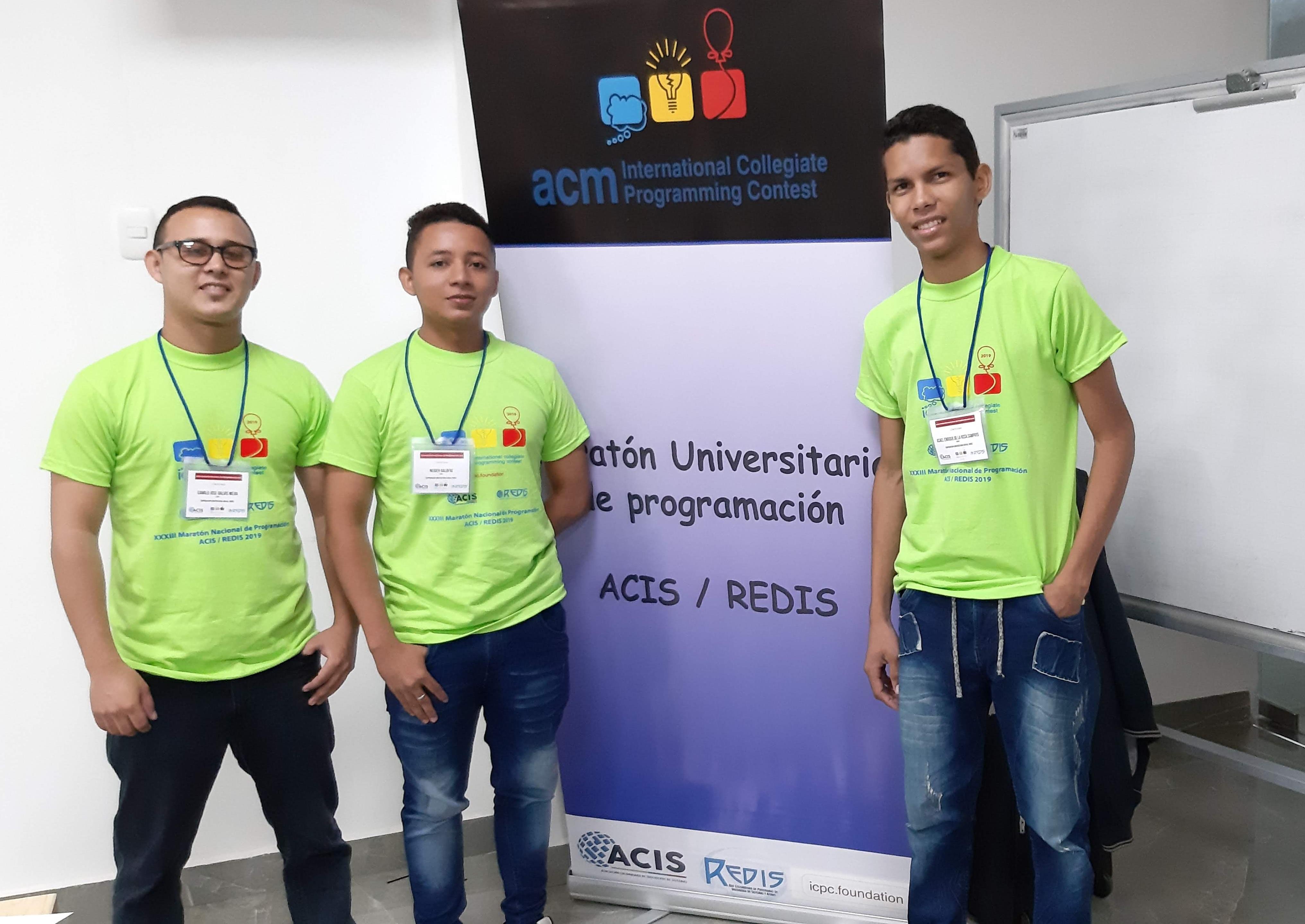 Estudiantes de Ingeniería participaron en XXXIII Maratón Nacional de Programación ACIS/REDIS