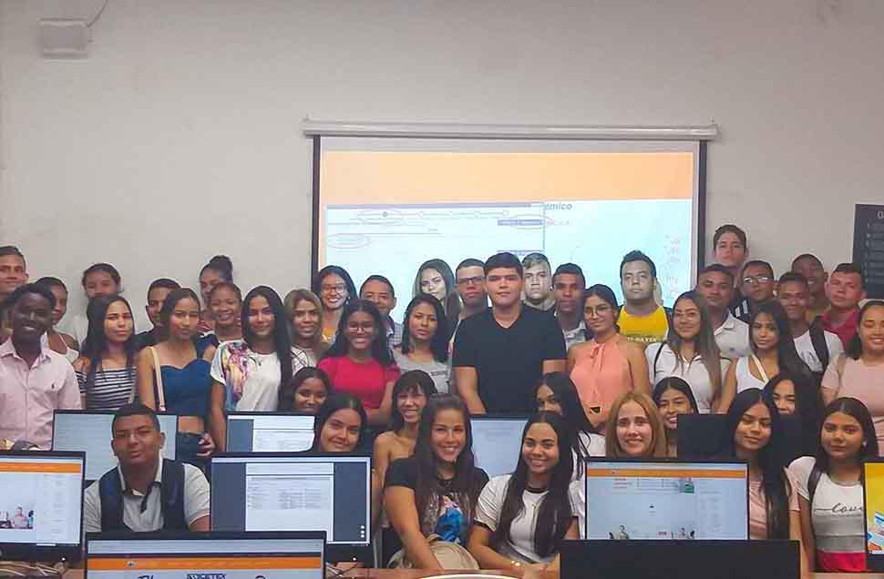 Bienvenida a nuestros nuevos estudiantes del programa de Derecho