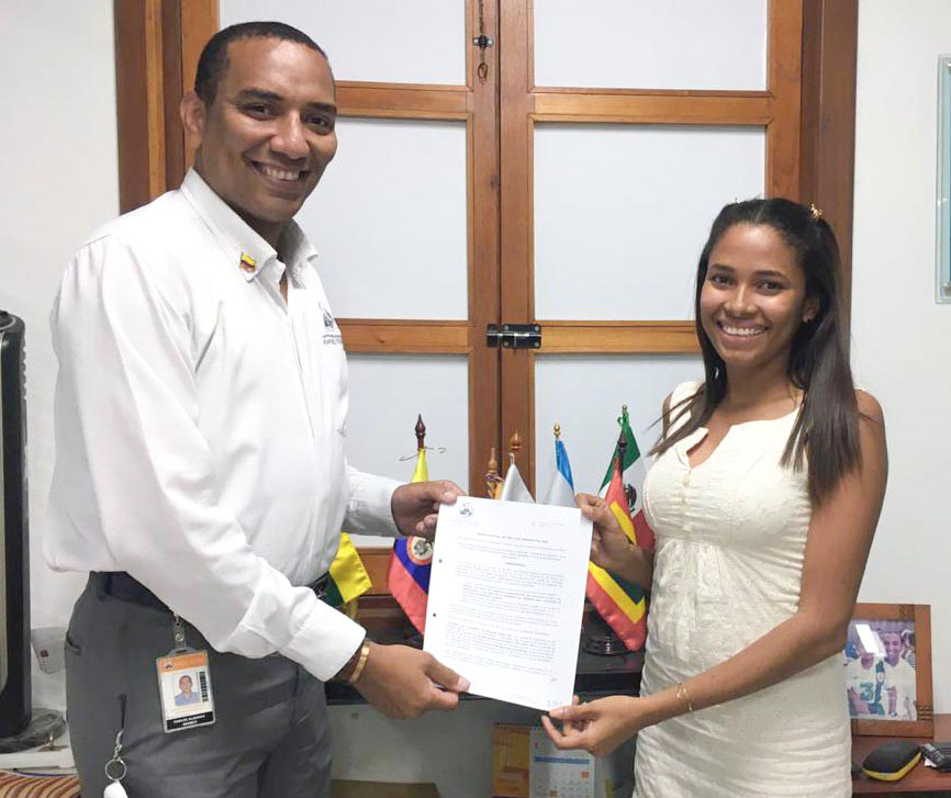 Estudiante de Derecho recibe reconocimiento de estímulo por Pruebas Saber Pro