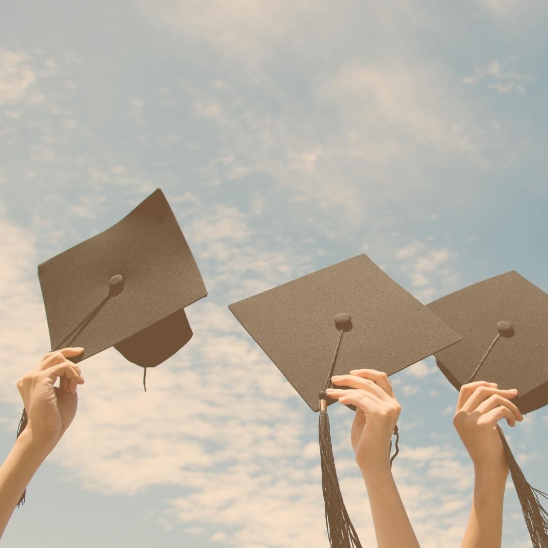 La Uninúñez gradúa a 136 nuevos y nuevas profesionales de sus campus Barranquilla y Cartagena a través de la virtualidad.