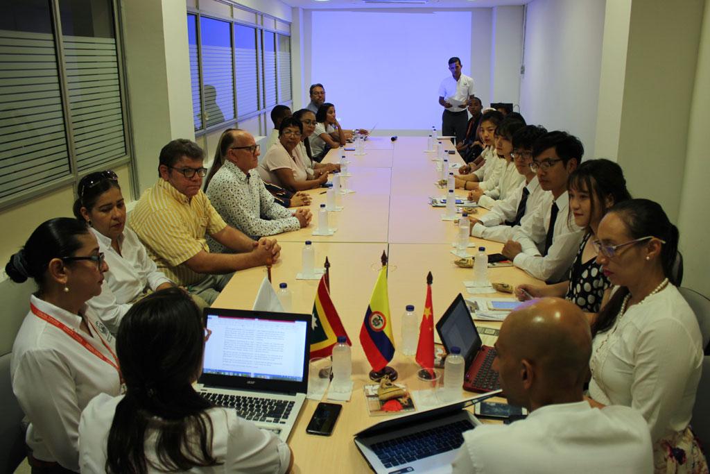 La CURN y estudiantes de la Universidad de Bejing intercambian experiencias sobre turismo en las dos naciones
