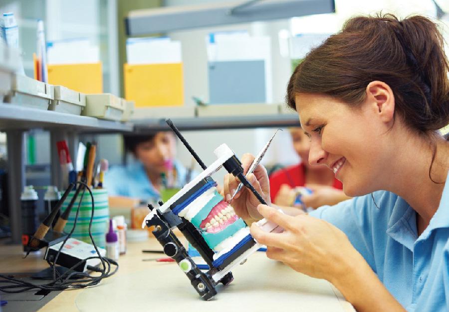 Tecnología en Mecánica Dental